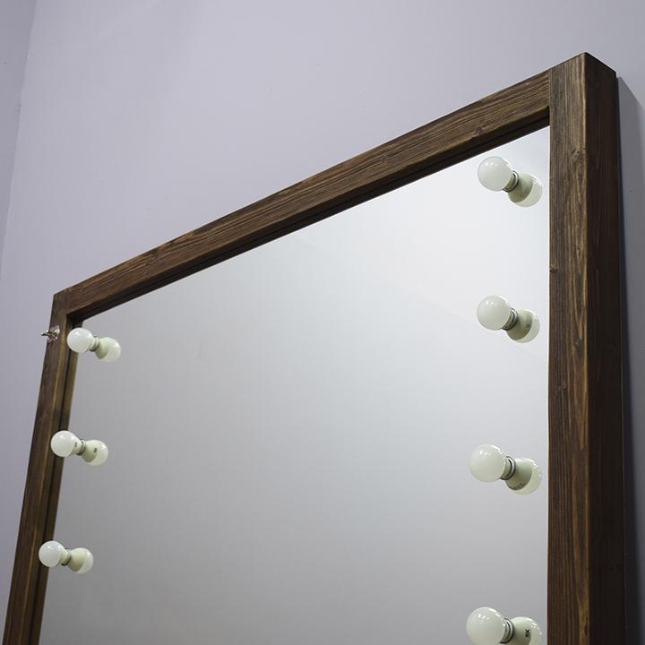 Зеркало без рамы в раме