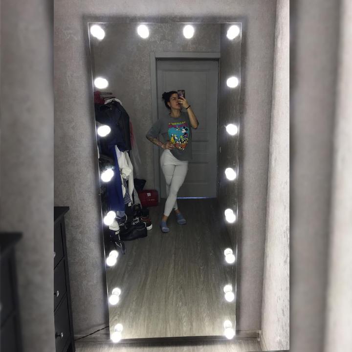 Зеркало без рамы в полный рост